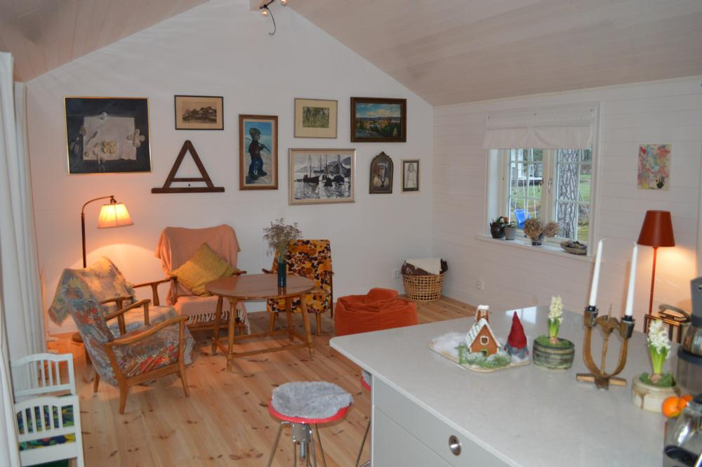 Allrum vid köket/ Social area by the kitchen