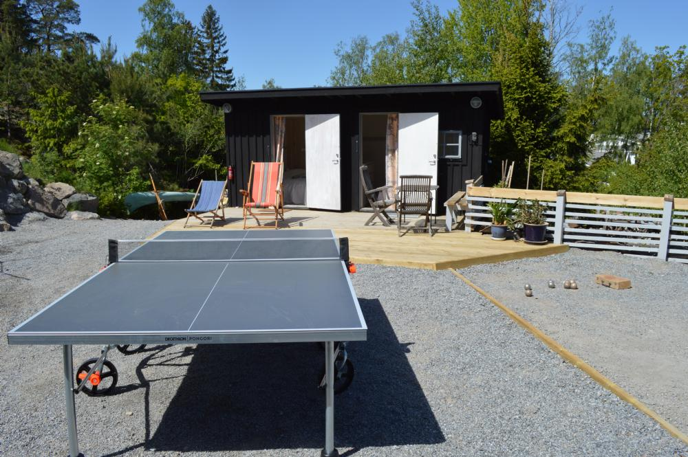 Bordtennis och boule/ table tennis and boule